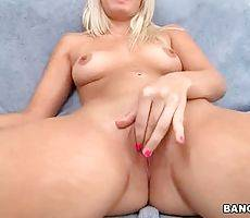Curvaceous Chick Shows All Her Charms 3